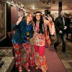 Lena Lindbäck från Alnö och Anneli Lindberg från Söråker letade längst in i garderoberna och hittade en tidsenlig klädsel som verkligen passade premiären!