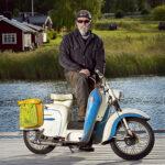 Jan Åhlund. Ålder 62 år, kör i dag sin Husqvarna Scooter från 1964 men har ytterligare 6 moppar.